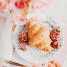 CROISSANT 🥐 - Un bon petit déjeuner pour commencer cette journée. Belle journée à vous ✨ - #breakfast #croissant #petitdejeuner