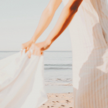 BEACH DAY 🌊 - Bonjour, nous voudrions poser notre serviette ici et ne plus bouger de la journée, merci.⠀⠀⠀⠀⠀⠀⠀⠀⠀ Cordialement, les Sabrinettes 💙⠀⠀⠀⠀⠀⠀⠀⠀⠀ -⠀⠀⠀⠀⠀⠀⠀⠀⠀ #beachday #holidays