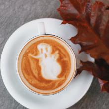CHILLY OCTOBER 🍁 - Un doux weekend d'octobre. Boo 👻 ⠀⠀⠀⠀⠀⠀⠀⠀⠀ -⠀⠀⠀⠀⠀⠀⠀⠀⠀ #automne #halloween #boo