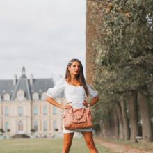 LE SAC DE LA SEMAINE 👛 - On ne vous présente plus Camille, notre it cabas cartable spécial format A4 idéal pour la femme d'affaires ou l'étudiante branchée.⠀⠀⠀⠀⠀⠀⠀⠀⠀ En cuir lisse ou grainé, brillant ou velours côtelé, nubuck ou vintage, Camille est disponible en 24 coloris sur notre eshop 💕⠀⠀⠀⠀⠀⠀⠀⠀⠀ C'est le moment de craquer sur nos Ventes Privées 💖⠀⠀⠀⠀⠀⠀⠀⠀⠀ -⠀⠀⠀⠀⠀⠀⠀⠀⠀ Sac Camille⠀⠀⠀⠀⠀⠀⠀⠀⠀ #librebelleepanouie #sabrinaparis #welovesabrinaparis